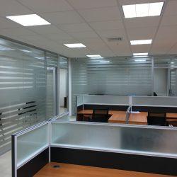 Fotografía de proyecto de Remodelación de oficina de Josen Premium